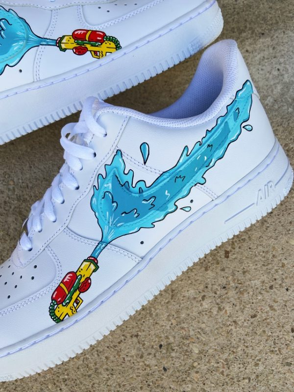 Opplain Custom Sneakers - Pistole ad acqua 4